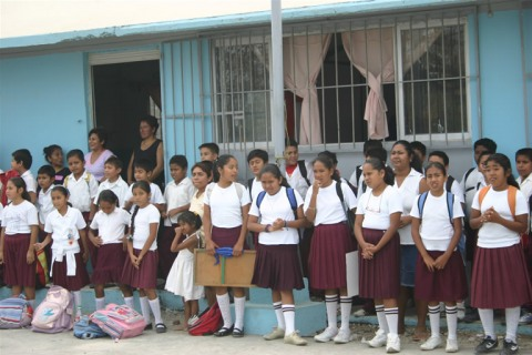 an overview of the uniforms in the public schools of the united states of america United kingdom united states of america you need to know about education in haiti march 12 public schools and wages tend to be lower in non-public schools 2.