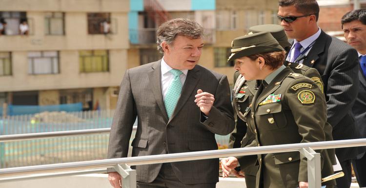 Photo by: Policía Nacional de los colombianos Inauguración Estación de Policía Soacha Taken From: https://www.flickr.com/photos/policiacolombia/6012168635/in/photolist-aagWgV-aajKzY-aagWJk-aagWSK-aajJNs-aajJzQ-aajK67-aajJDL-aajJJ1-bxnw7k-bxnuTr-bMqQLZ-byw9RE-byw9xh-byw9uo-byw9xS-bMqQSx-byw9TW-byw9Mb-bSocpk-bDttsh-bSoc6r-bSoa9V-bDttuG-nrsbm8-nLnkeW-8PW5xh-9UEXZV-dqiqzs-e9trxu-e9nKfF-e9sGpo-e9tttC-e9mZqt-e9nLTD-e9sqWA-e9mUSD-8PNsNb-9TXwu5-9TXpdb-8PNvjf-9TUHyt-aWEyPV-cEEzG1-aWEQxr-6qZ5a6-9UKBLC-9TXijm-9UHNJ3-9TXmRh