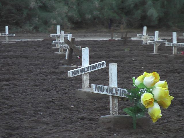 "Image by: Steev Hise, ""migrant graves at Holtville Cemetary - 6,"" Flickr Creative Commons"