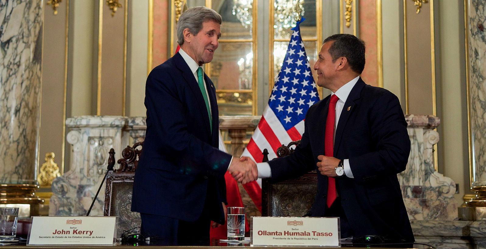 Secretary_Peruvian_President_Humala_Shake_Hands_Following_Meeting_Media_Statements_in_Lima_(15814527340)