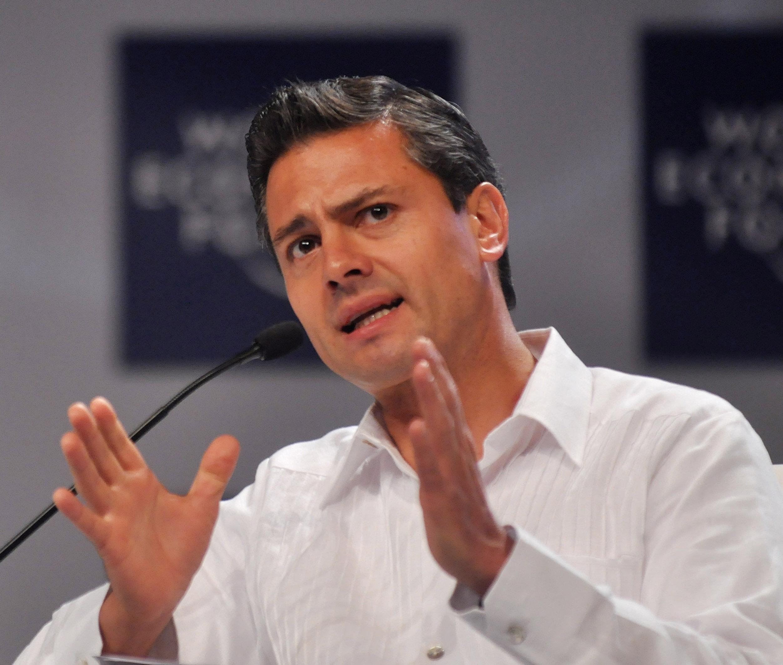 Enrique_Peña_Nieto_-_World_Economic_Forum_on_Latin_America_2010 (1)
