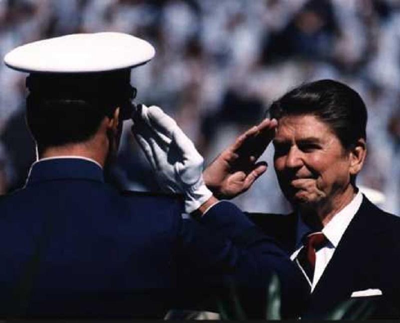 Reagan_salute_1984-1