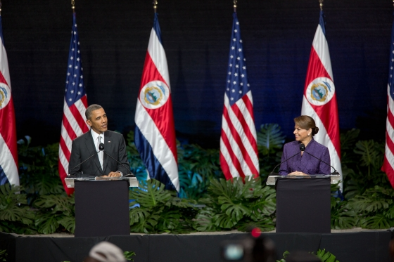 barack_obama_at_a_press_conference_with_laura_chinchilla